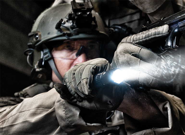 peli products 7600 7100 police flashlights