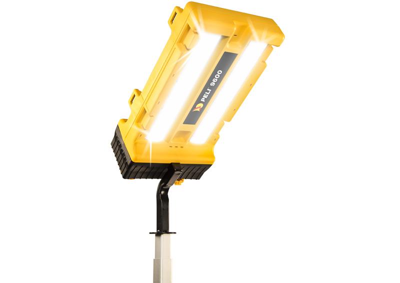 peli 9600 ip54 led light