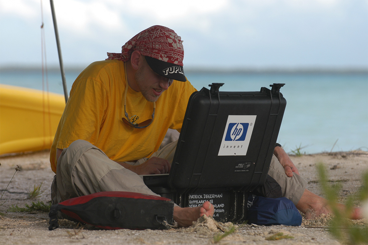 pelican discover survival story david brown tsunami