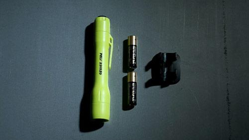 peli 2315z0 led flashlight