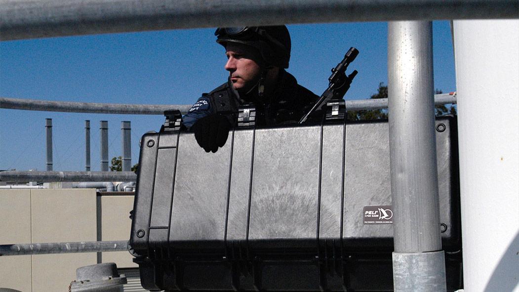 peli 1720 long military gun rifle case