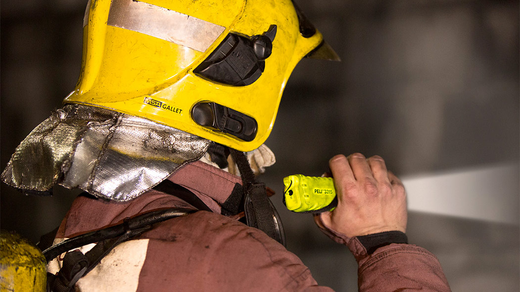 peli 3315 atex approved led work light torch