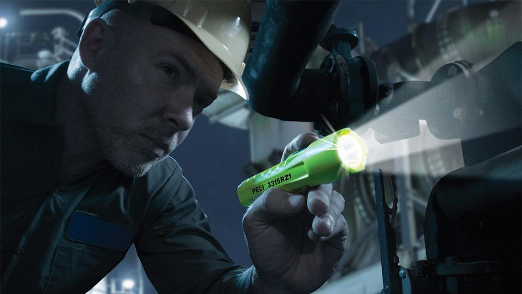 peli 3315rz1 safety zone one torch