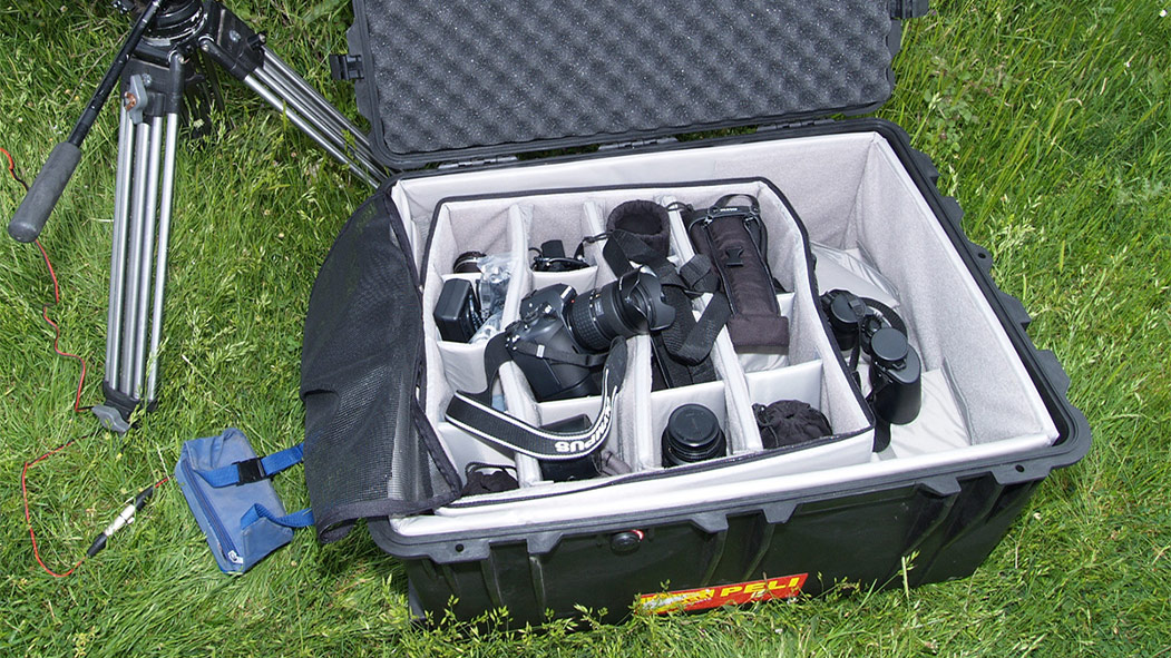 peli rolling video camera hard case