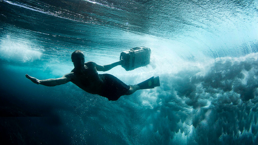 pelican 1510 watertight rugged camera case