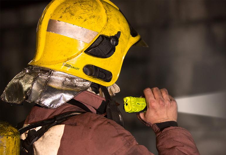 Peli catex fire rescue led torch 3315z0